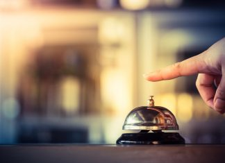 Factors that improve customer service in the hospitality industry